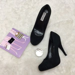 Steve Madden Classic Suede Pumps Size 7.5